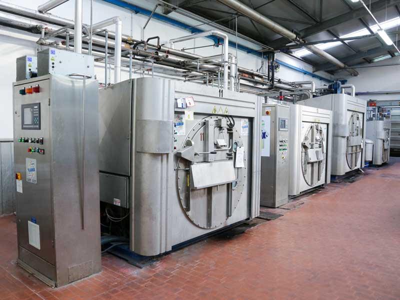 calzificio-primato-processo-produttivo-tintura-1
